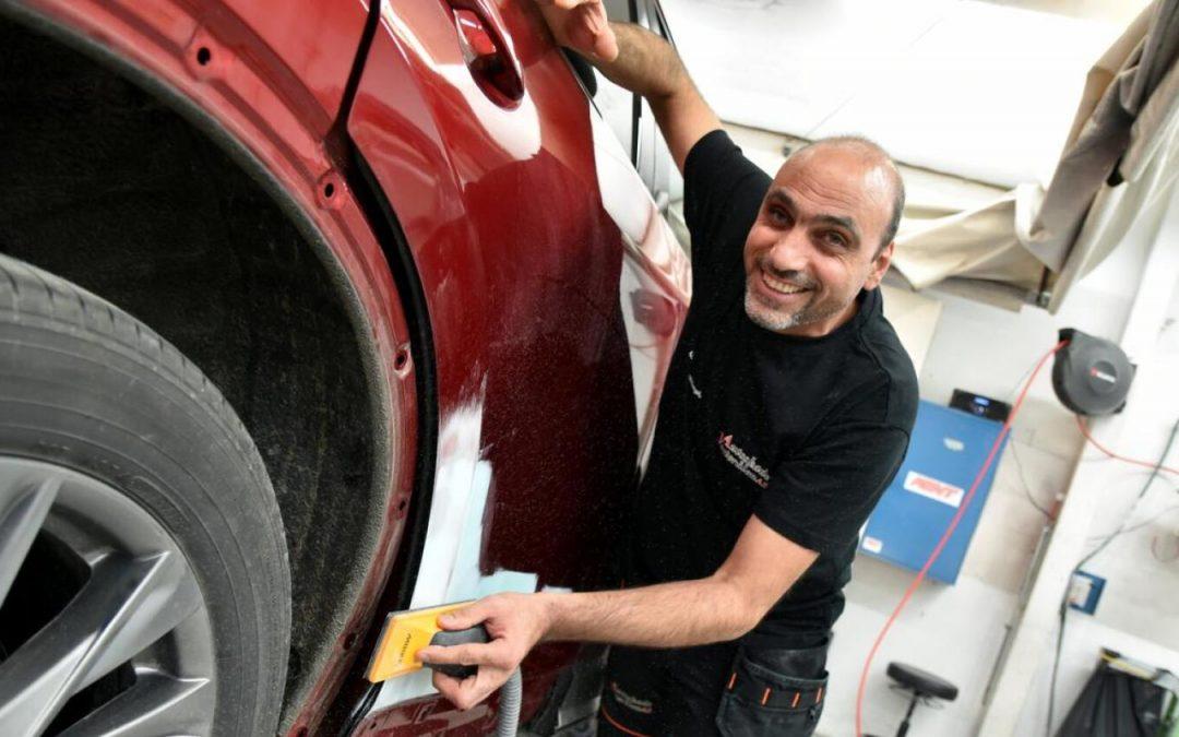 Nayef har fått jobb på Sortlands-verksted